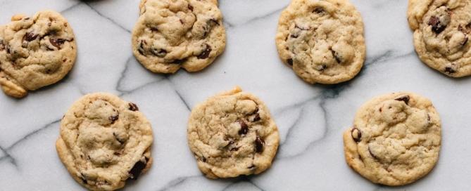 Biscuits aux kales et aux brisures de chocolat